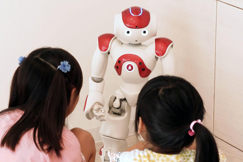 医院・クリニックにおけるヒューマノイドロボットの活用
